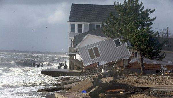 Береговая линия в Милфорд, штат Коннектикут, пострадавшая от урагана Сэнди