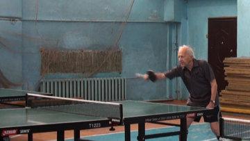 Столетний сибиряк играет в теннис и готовится к чемпионату мира-2013