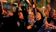 Палестинцы празднуют перемирие с Израилем