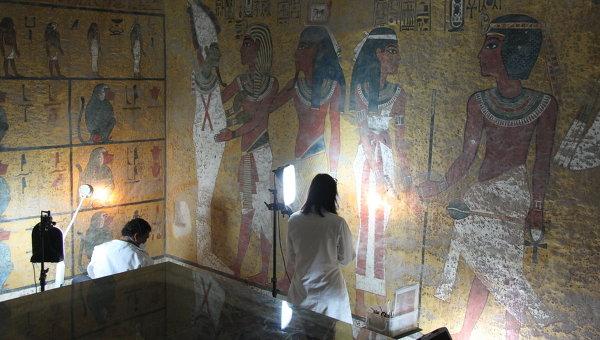 Реставрация в гробнице Тутанхамона. Архивное фото