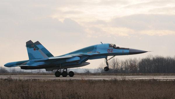Бомбардировщик Су-34. Архив