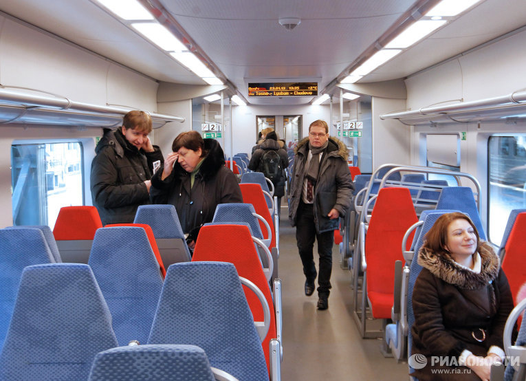 фото ласточки поезд
