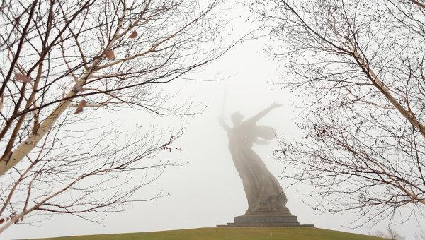 Монумент Родина-Мать на Мамаевом кургане в Волгограде