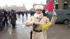 Регулировщицы с флажками и Т-34. Кадры военного парада в Волгограде