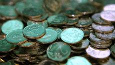 Рубль укрепляется к корзине в начале торгов в среду на 10 копеек