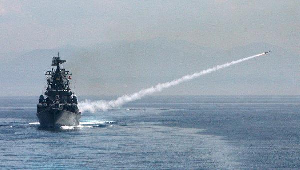Выход в море кораблей Тихоокеанского флота для отработки задач боевой подготовки. Архив