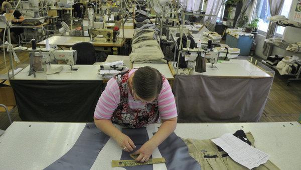 Швейный цех, архивное фото