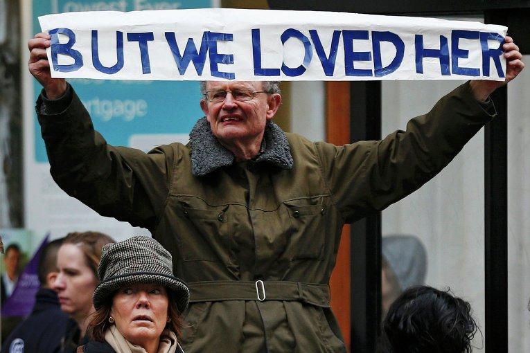 Житель Великобритании на церемонии прощания с Маргарет Тэтчер