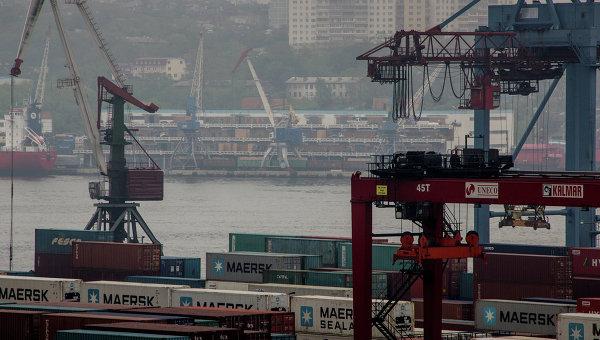 Владивостокский морского торговый порт. Архивное фото