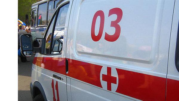 Двое молодых людей направлены в больницу с травмами