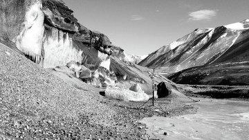 Ледник в долине Гарвуд в Антарктиде