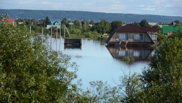 Практически 80 человек эвакуированы изподтопленных авто наКаспийской улице в российской столице