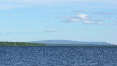 Озеро Ловозеро в Мурманской области. Архивное фото