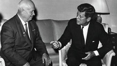 Никита Хрущев и Джон Кеннеди, архивное фото