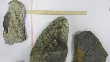 Камни, поднятые из озера Чебаркуль