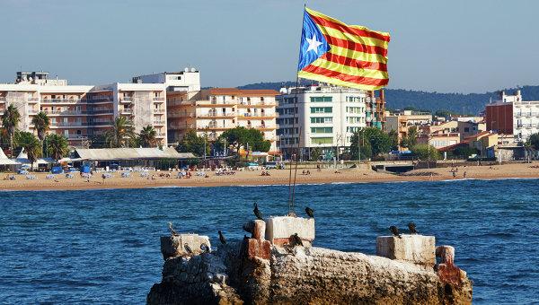 Побережье Средиземного моря в городе Бланес в Каталонии. Архивное фото