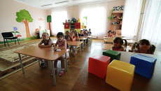 Дети на занятиях в детском саду. Архивное фото