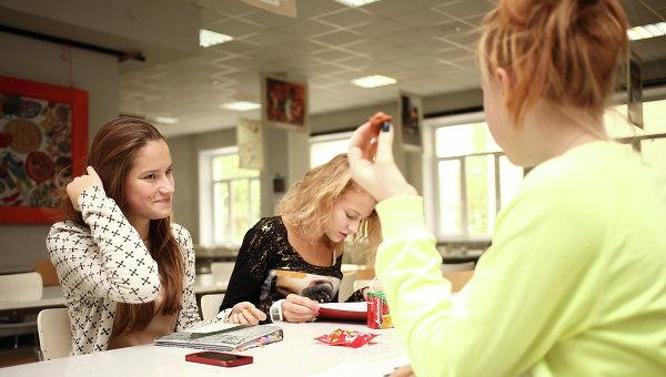 ВЕкатеринбурге после массового заболевания детей проверят пищеблоки школ