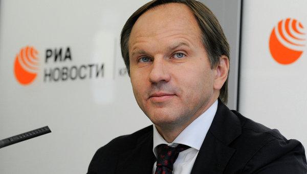 Губернатор Красноярского края Лев Кузнецов, архивное фото