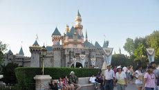 Фирменный замок в Диснейленде в Калифорнии. Архивное фото