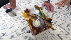 Секреты шеф-поваров: роллы сельдь под шубой и десерт с сухой листвой
