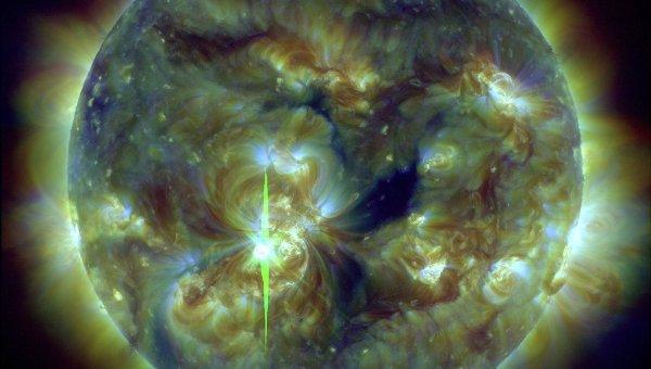 Вспышка на Солнце в активной области 1890 8 ноября 2013 года