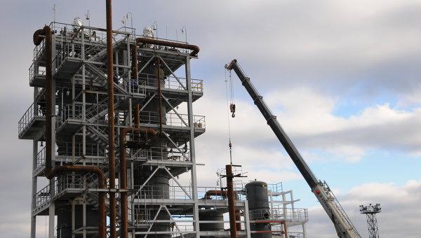 Завод нефтепродуктов. Архивное фото