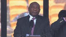 Боги приветствуют умершего – политик ЮАР о дожде на прощании с Манделой