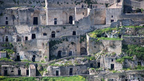 Пещерный город Матера в Италии