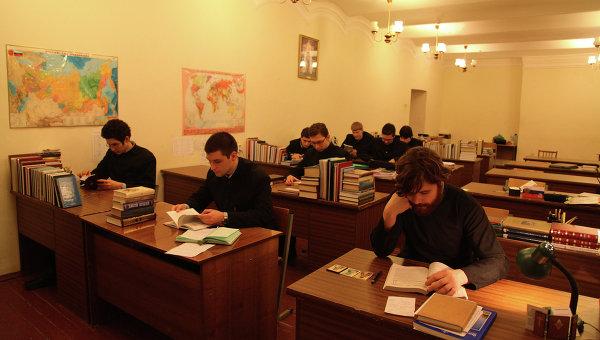 Представители религий просят ВАК временно снизить требования по теологии