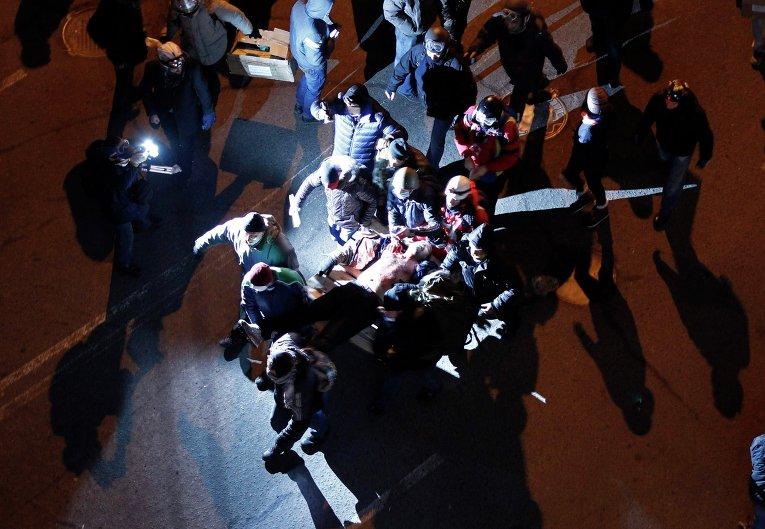 Пострадавшие в ходе беспорядков в Киеве