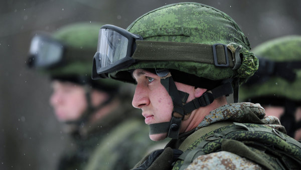 Военнослужащий в боевой экипировке Ратник. Архивное фото