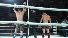 Бойцы катались по рингу на чемпионате MMA Приморья