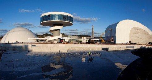 Проект легендарного Оскара Нимейера, вдохнувший жизнь в испанский городок