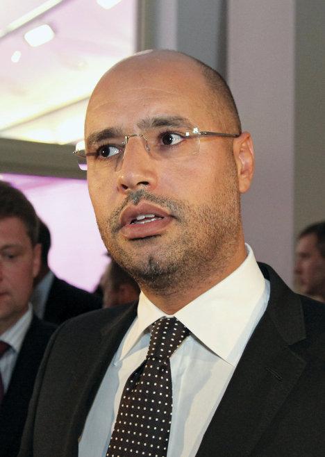Саиф Ал Ислам Каддафи посетил выставку античного и современного искусства Ливии Пустыня не безмолвна