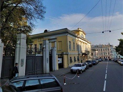 Главный дом усадьбы Глебовых – Бурышкиных