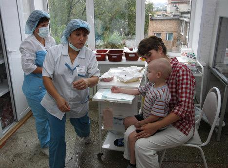 В процедурном кабинете детского онкогематологического центра