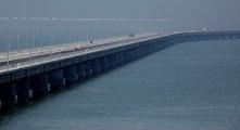 Заключительная фаза строительства эстакадного моста Полуостров Де-Фриз - Седанка