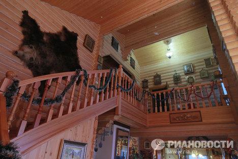 Столярная мастерская и самодельная мебель в усадьбе Бориса Щербакова