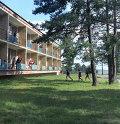 В пионерском лагере Зубренок, расположенном на берегу озера Нарочь