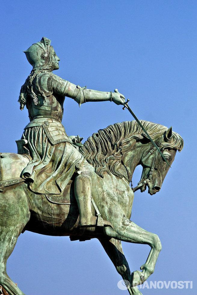 памятник Жанне д'Арк в Орлеане
