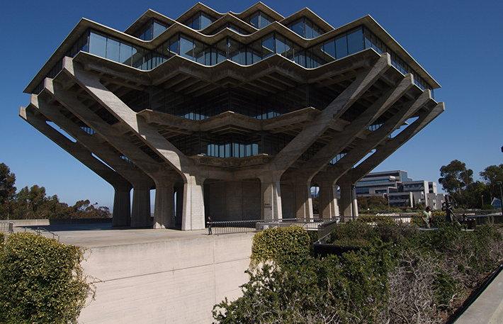Библиотека им. Т.Гейзеля в Калифорнии