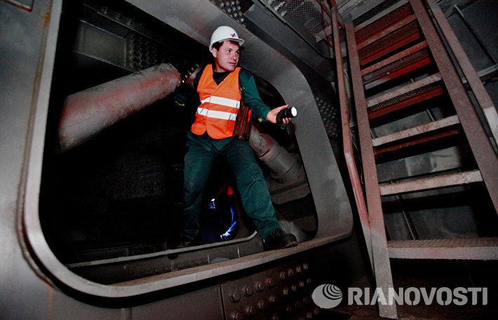 Обслуживание вантового моста через бухту Золотой Рог