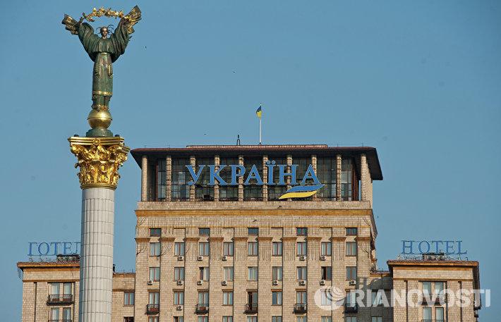 Стелла Независимости на площади Независимости в Киеве