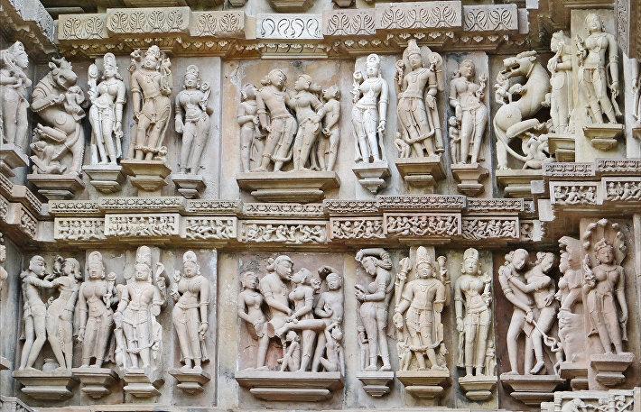 Скульптурные группы Каджурахо