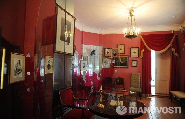 Дом Н.В. Гоголя- мемориальный музей и научная библиотека