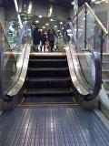 Самый маленький эскалатор мира в торговом центре города Кавасаки