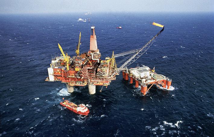 Буровая установка Statfjord-B в Северном море