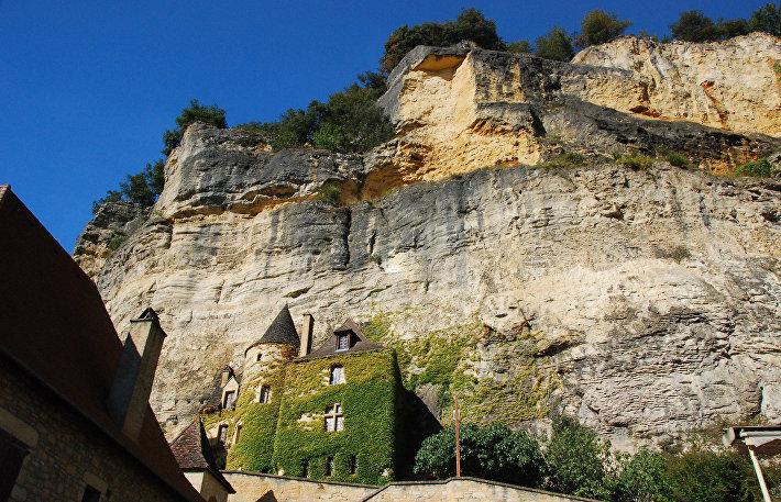 Коммуна Ла-Рок-Гажак во Франции