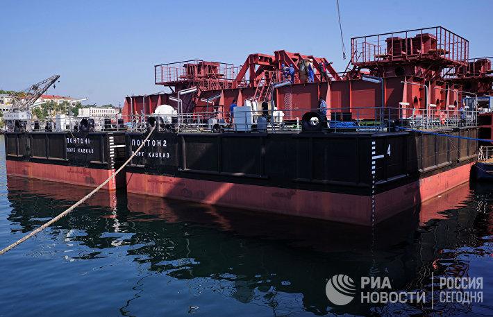 Завершено строительство плавсистемы для доставки арок Крымского моста